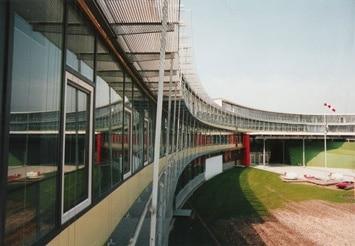 Referenz Gitterroste am Gymnasium in Neufahrn