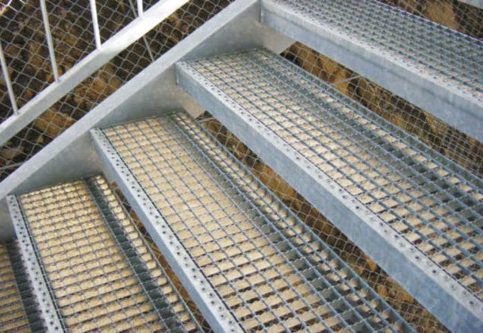 Gitterroststufen für eine Treppe